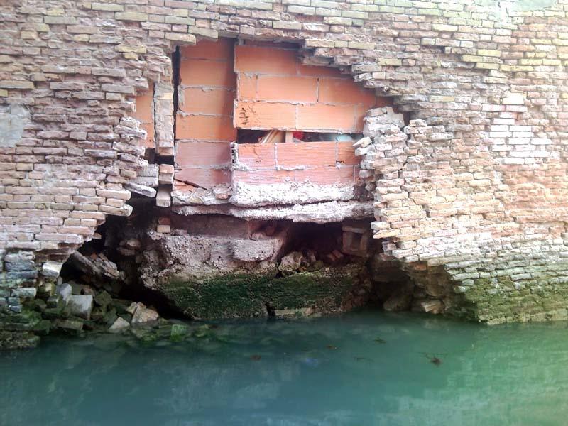 Il muro crollato